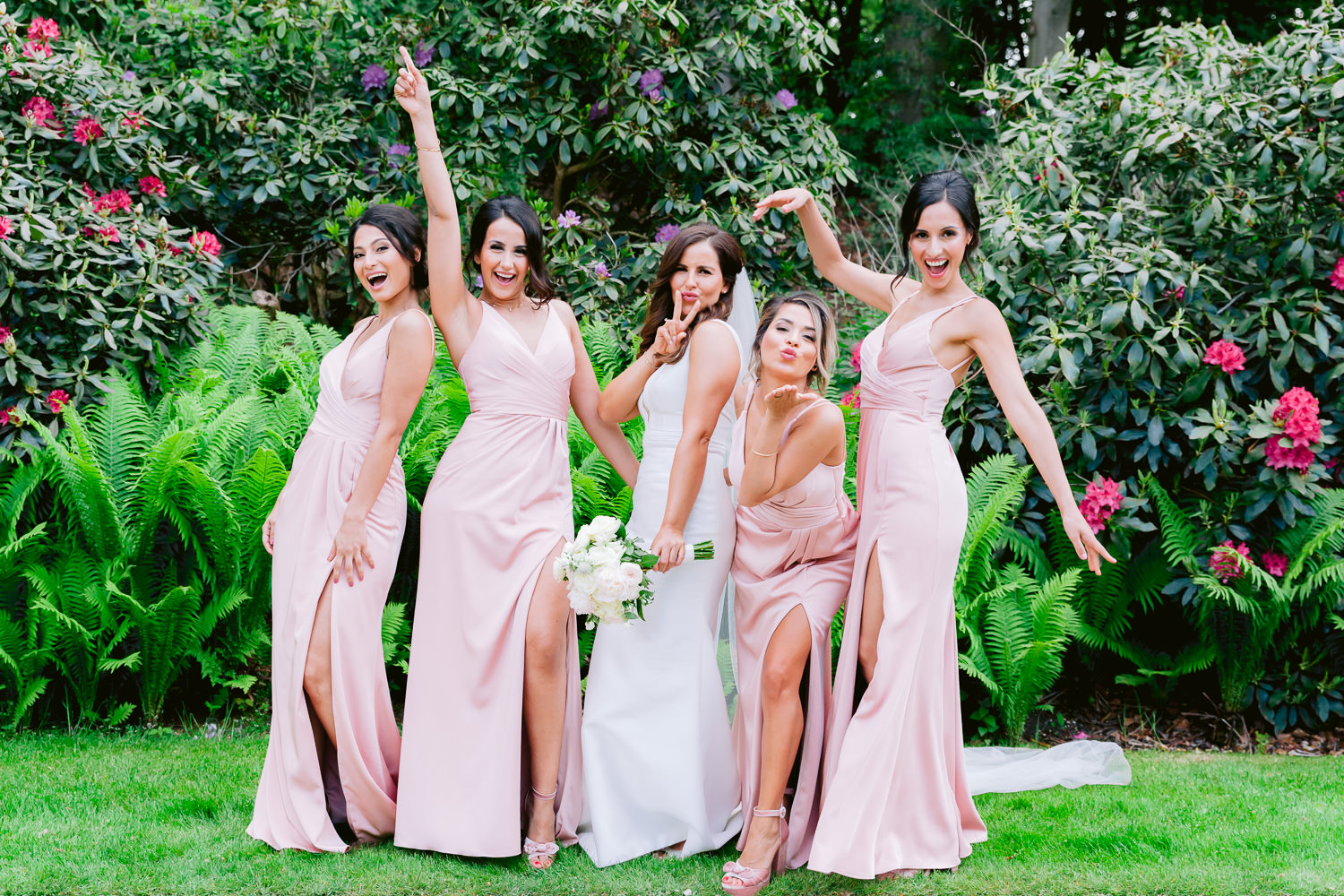 bridesmaids roode koper wedding